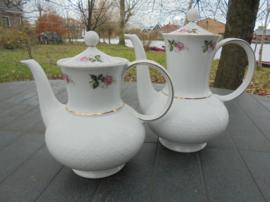 Koffiepot Seltmann Weiden Annabell met roze roosjes en gipskruid