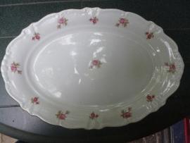 Ovale Vleesschaal Winterling met roze/rode roosjes en sierlijk randje