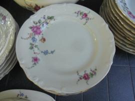 Ontbijt/Gebak- of Dessertbordjes van Tulowice met grote bloemtak met oa. roos