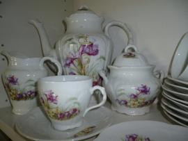 Romantische Brussels Porseleine Koffiepot met paarse en witte viooltjes