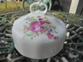 Stolp Botervloot Jarolina met groot bloemboeket / roze pioen roos