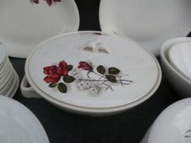 12 persoons Dinerservies Boch met grote rode roos