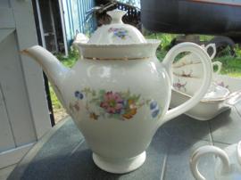 Koffiepot V A Portugal met bloemboeket met roze / gele en blauwe bloemetjes