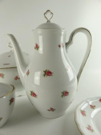 Koffiepot Seltmann Weiden Bavaria Marie Luise met roze/rode roosjes