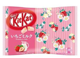 KitKat mini Strawberry Milk - zak 12 stuks