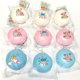 1 X  Squishy Poli Fruity Jumbo Bun (9 cm) - Surprise - Wit/Roze/Blauw