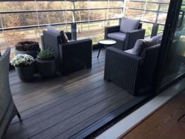 Balkonvloer Rotterdam met houtstructuur & beglazing van Metalura