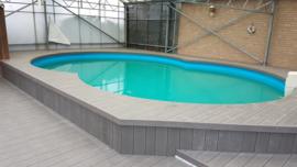 Terrasvloer rondom verhoogd 8 vormig zwembad