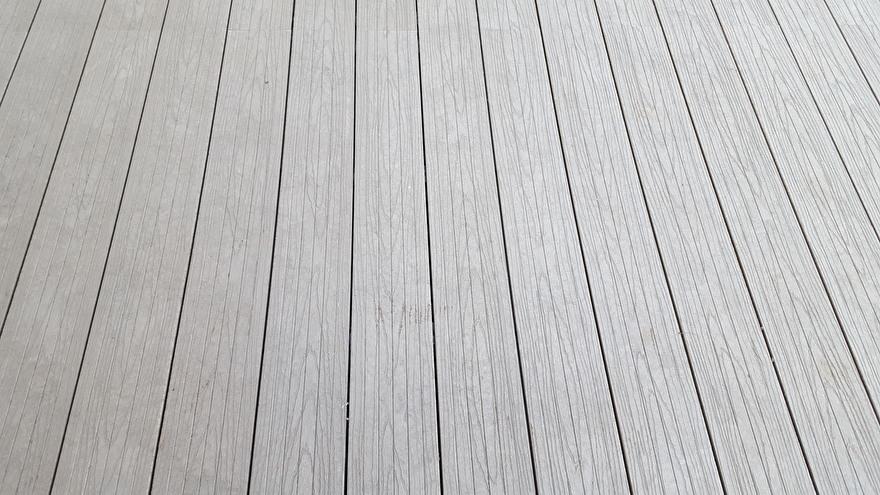 GovaDeck Linea met houtstructuur