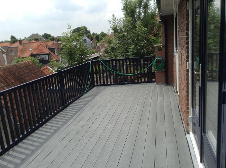 Kunststof terrasplanken, gladde kant boven met impress / houtstructuur