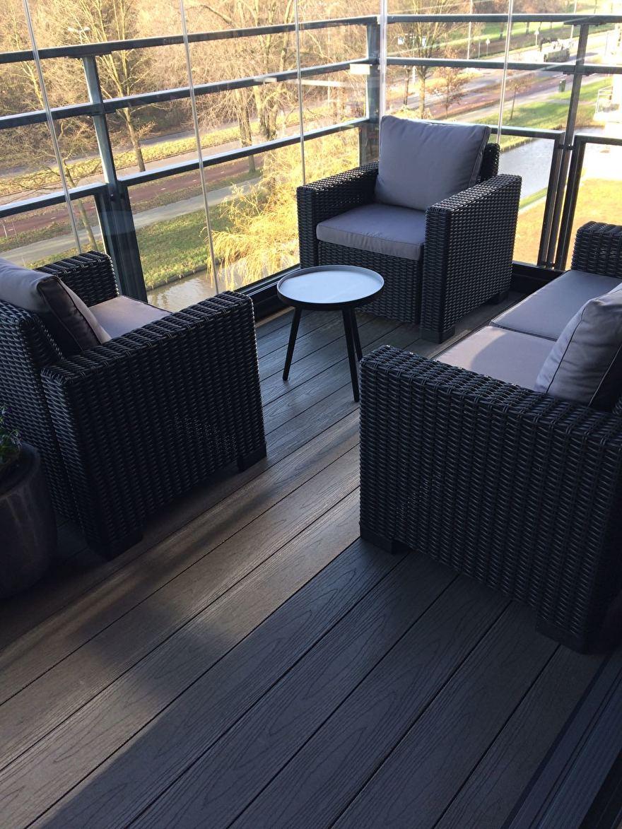 Kunststof terras met houtstructuur / impress