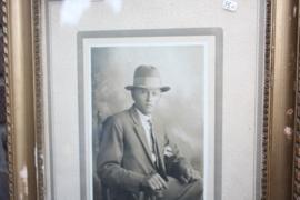 Brocante fotolijst met afbeelding Man