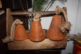 Roestige kerstklokken 13cm hoog