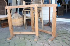 Set verstelbare oude houten Schragen