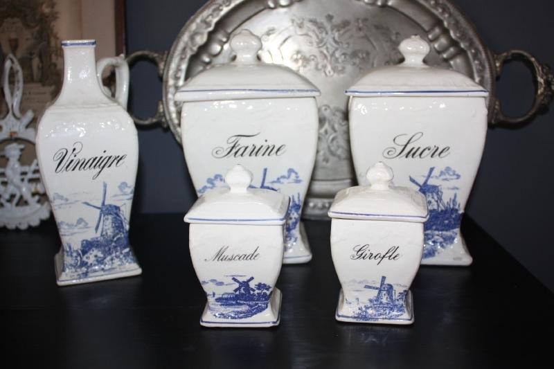 Franse set voorraad potten