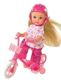 Evi Love pop op roze fiets