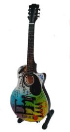 "Miniatuurgitaar Beatles - Acoustic tribute 'Blackbird"""
