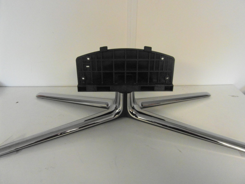 SA7416 VOET LCD TV GEBRUIKT  COMPLEET   (KRUISVOET  ) SAMSUNG