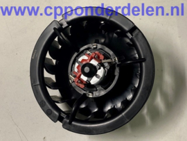 911397 Ventilator motor met fan