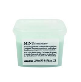 Minu shampoo en conditioner 250 ml  gift box ontvang gratis OI all-in one milk 135 ml