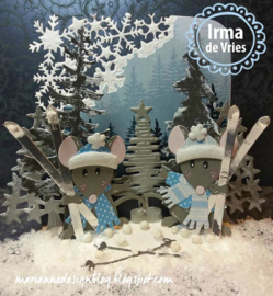 Creatables LR0492 Tiny's Christmas tree wood