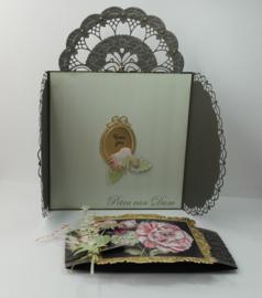 Creatables  LR0701 Petra's Gate Folding Floral