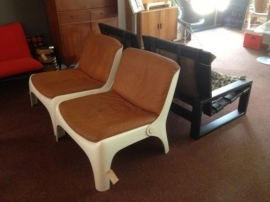 Retro design fiberglass space age lounge chair 1960