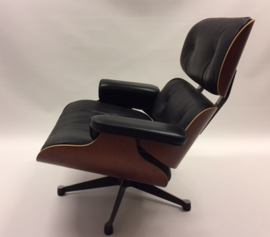 Vintage design Eames lounge chair Vitra SUMMERSALE