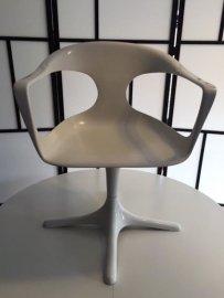 Prachtige vintage fiberglass chairs by Konrad Schafer for Lubke designed 1969