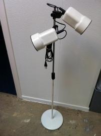 Fraaie retro vloerlamp jaren 60 / Nice vintage floorlamp 60`s