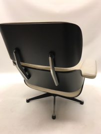 Vintage design Eames lounge chair Vitra ON HOLD