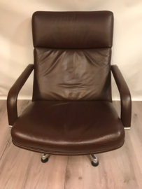 Vintage design Artifort F141 lounge chair
