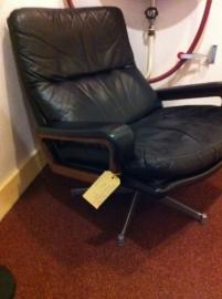 Prachtige Strassle King Chair Vandenbeuck