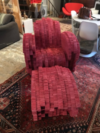 "Rare design Frank Gehry ""Little red beaver chair and ottoman"""
