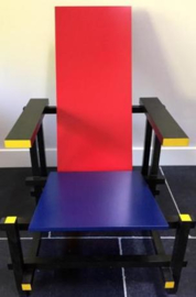 Design Cassina 635 Red And Blue Rietveld chair