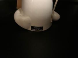 design ceramic cat and vase by Peter Selhorst