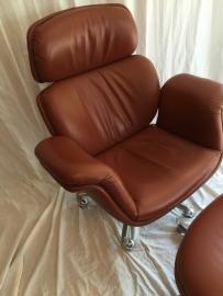 Originele Pierre Paulin vintage Big Tulip Lounge chair + footstool