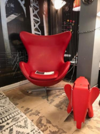 Arne Jacobsen Egg lounge chair leather by Fritz Hansen 2004