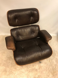 Vintage Eames lounge chair plus ottoman Herman Miller made by Vitra