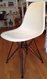 Original Eames Herman Miller DSR fiberglass chairs with black eiffel base