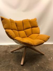 Prachtige B&B Italia Husk lounge chair