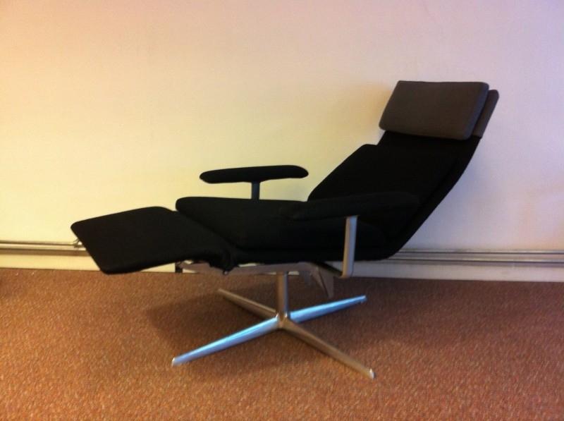 Verzelloni design comfort swivel chair Lievore Altherr Molina