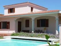 Italie | Sardinie | Villa met 5 appartementen | € 850.000,-