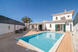 Faro  | Lagos Bensafrim | Villa | Vraagprijs: € 375.000,--