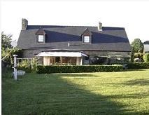 Grens Bretagne-Normandië | Woonboerderij | € 109.000,-