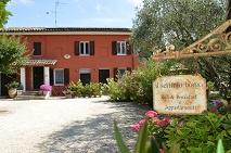 Le Marche,  Corinaldo bed and breakfast met appartementen € 595.000,-