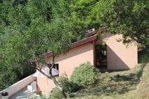 Dolceacqua | Cottage omgeven door olijfgaarden |  € 269.000,--