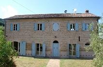 Le Marche, Mombaroccio, Natuurstenen gerestaureerd huis € 585.000,--