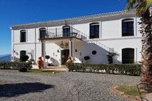 Costa del Sol | Binnenland | Cortijo voor B&B | € 625.000,--