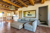 Le Marche | Ruime woning in residence met zwembad | € 320.000